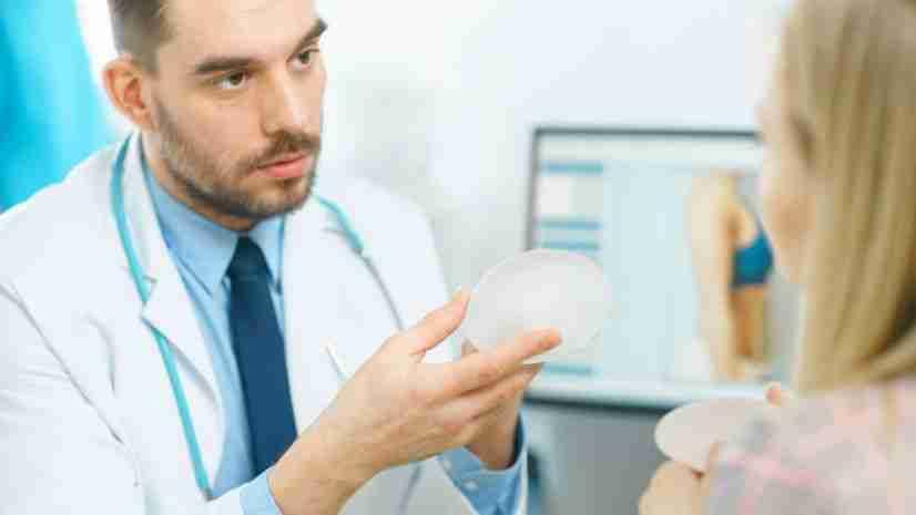 Lo que debes saber sobre la asociación de prótesis de mama y el linfoma anaplásico de células grandes 1