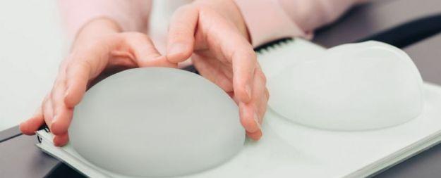Implantes de pecho redondos anatómicos