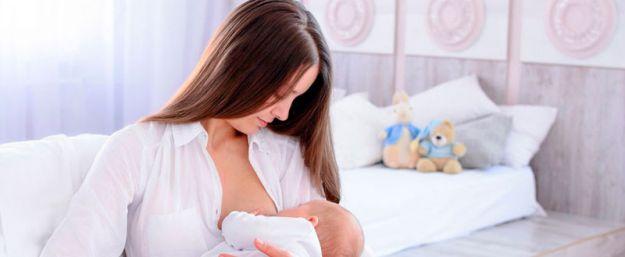 ¿Es compatuvile la lactancia materna y la mamoplastia?