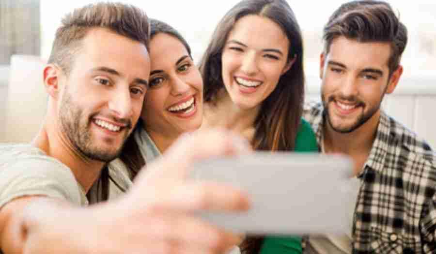 Relación entre selfies y complejos