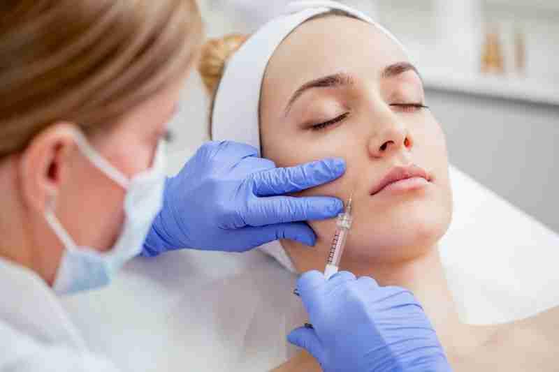 Rellenos rejuvenecimiento facial