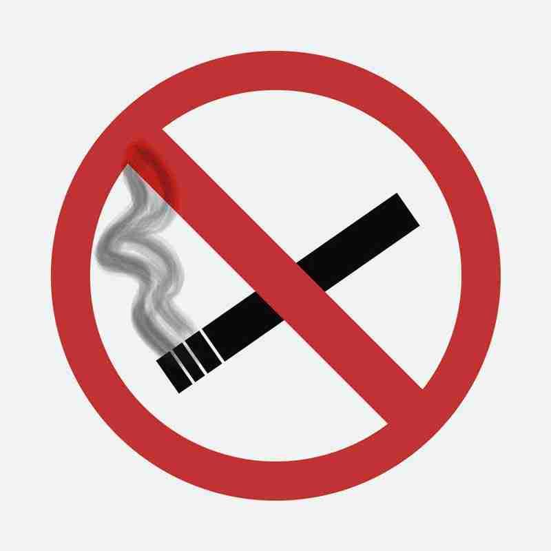 Evitar fumar tras una cirugía